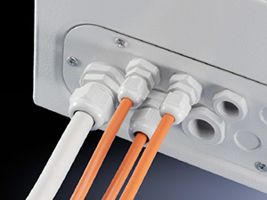 Кабельные вводы компании AGRO умеют фиксировать провода вдоль и поперёк